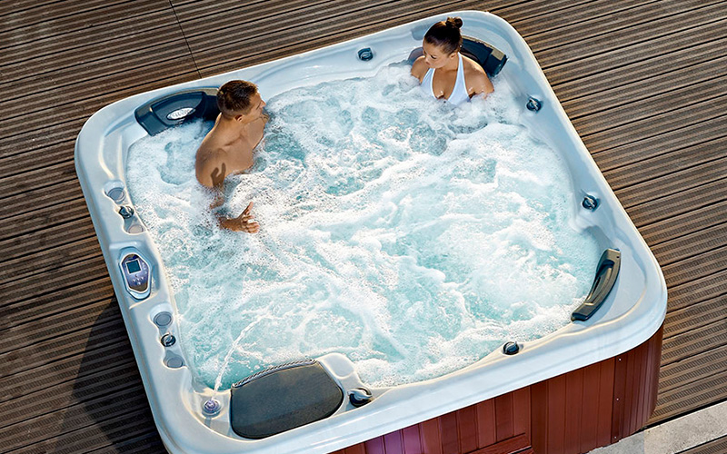 Jacuzzi Hot Tubs & Swim Spas. Improve Your Wellbeing - Premium Tubs