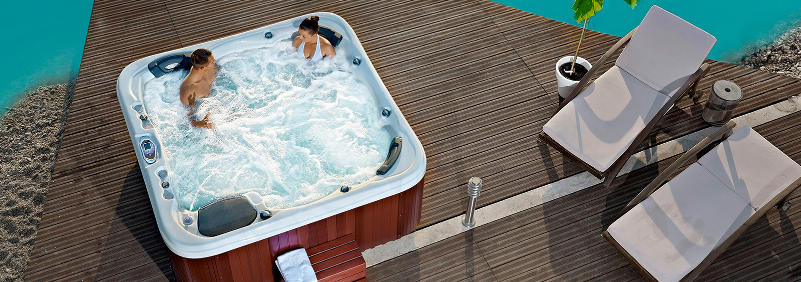 Wellis Hot Tub