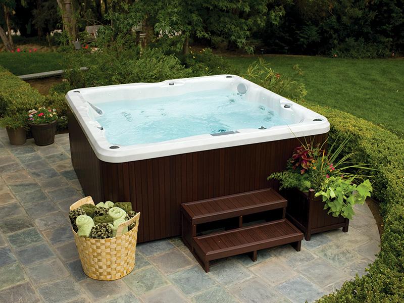 hot tub jacuzzi j200